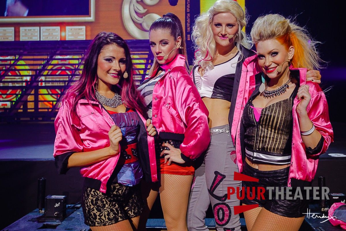 grease-the-arena-show-23-desktop-resolutie