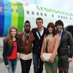 Cast Shrek op vliegveld